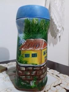 Pintura decorativa em vidro de café soluvel.